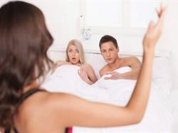 تفسير حلم أن زوجك يجامع امرأة أخرى