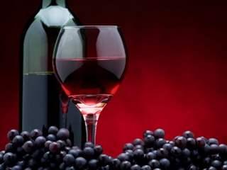 تفسير رؤية نبيذ في المنام أو الحلم