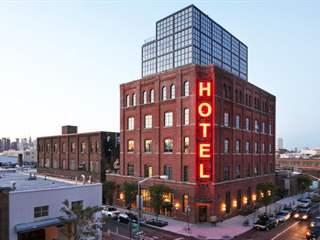 تفسير رؤية فندق في المنام أو الحلم