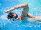 تفسير رؤية السباحة في المنام أو الحلم