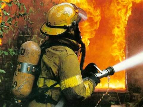 تفسير رؤية رجل إطفاء في المنام أو الحلم