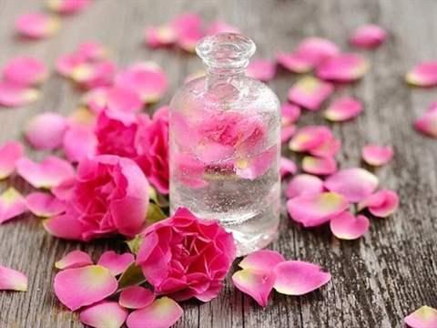 تفسير رؤية ماء الورد في المنام أو الحلم