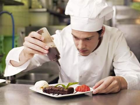 تفسير رؤية طباخ في المنام أو الحلم