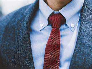 تفسير رؤية ربطة عنق في المنام أو الحلم