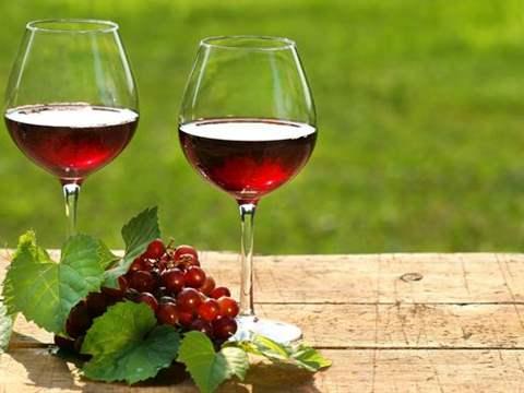 تفسير رؤية الخمر في المنام أو الحلم