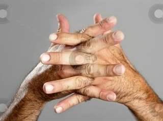 تفسير رؤية يد كثيفة الشعر في المنام أو الحلم