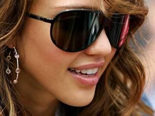 تفسير رؤية نظارة شمسية في المنام أو الحلم