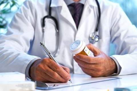 تفسير رؤية طبيب أو دكتور في المنام أو الحلم