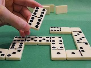 تفسير رؤية لعبة الدومينو في المنام أو الحلم