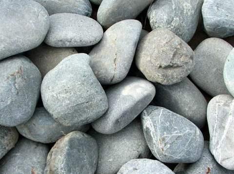تفسير رؤية حجر أو حجارة في المنام أو الحلم