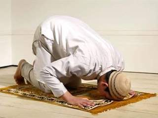تفسير رؤية الصلاة وأركانها في المنام أو الحلم