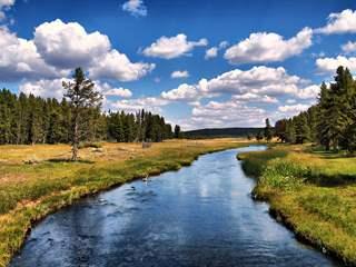 تفسير رؤية النهر أو جدول الماء في المنام أو الحلم